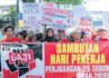 PEMBENTUKAN kesatuan sekerja harus dipermudahkan untuk menjamin hak dan kebajikan buruh.