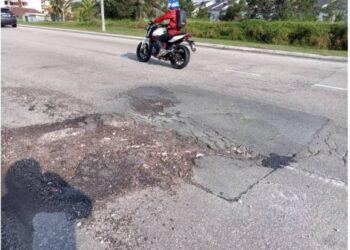 ANTARA keadaan jalan yang tidak diselenggara dengan baik.