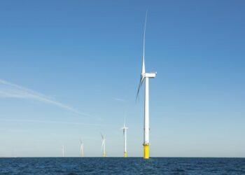 PEMEROLEHAN itu menandakan penyertaan sulung TNB dalam pasaran ladang angin luar pesisir. - GAMBAR/TNB