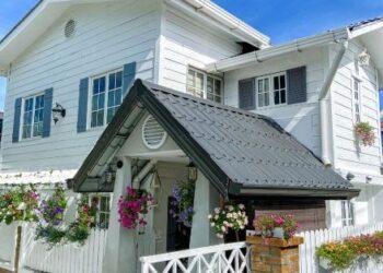 Dekorasi rumah milik Asri Meris yang tersergam indah persis seperti yang selalu dilihat di Pinterest.