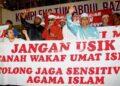 TINDAKAN mewakafkan tanah dapat memastikan ia tidak beralih tangan kepada bukan Islam. – GAMBAR HIASAN